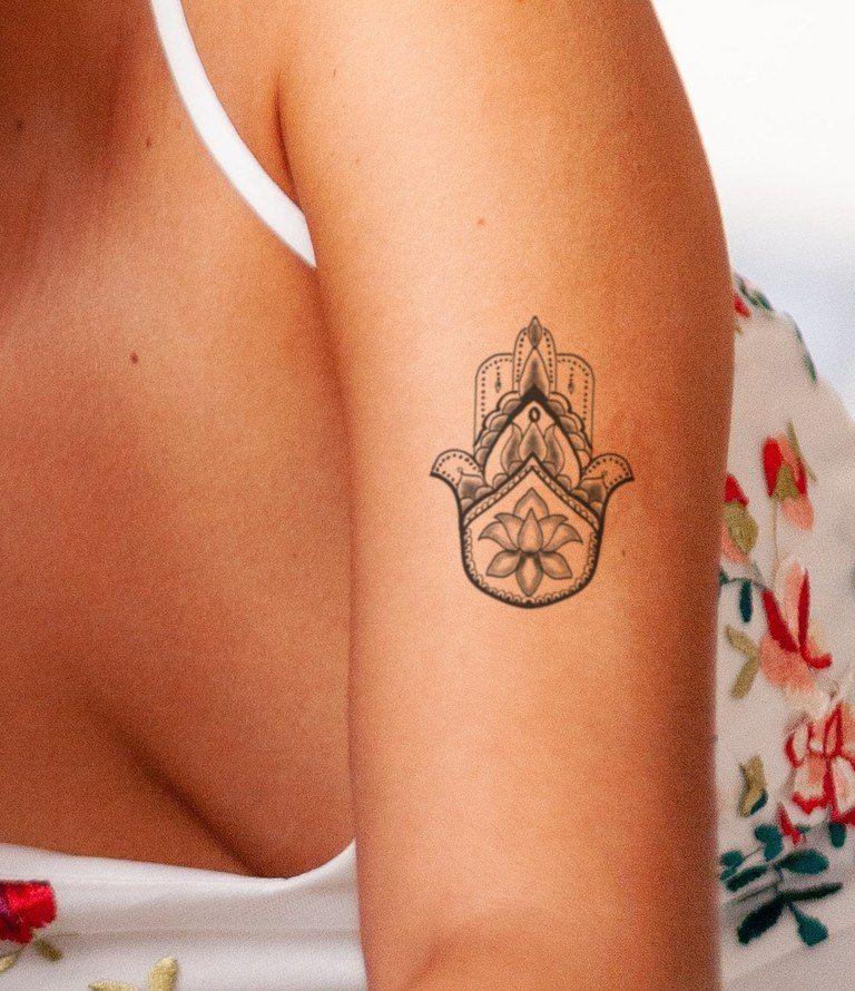 Hamsa Hand Tattoo Designs (60)