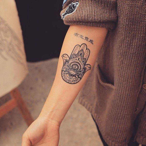 Hamsa Hand Tattoo Designs (92)