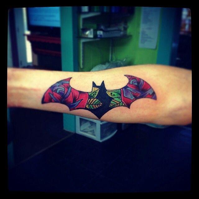 Simple Small Batman Tattoo Designs Ideas (103)