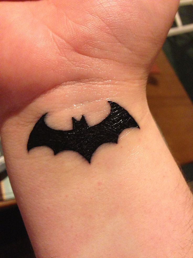 Simple Small Batman Tattoo Designs Ideas (108)
