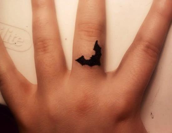 Simple Small Batman Tattoo Designs Ideas (129)