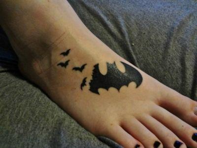 Simple Small Batman Tattoo Designs Ideas (162)