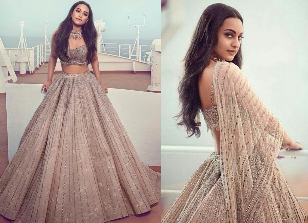 Bollywood Actress Dresses Online Shopping (111)