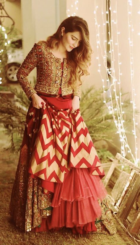 Bollywood Actress Dresses Online Shopping (125)
