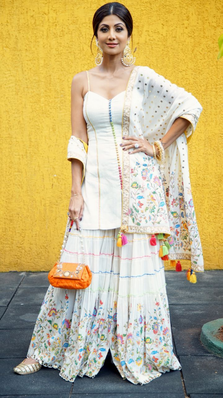 Bollywood Actress Dresses Online Shopping (128)
