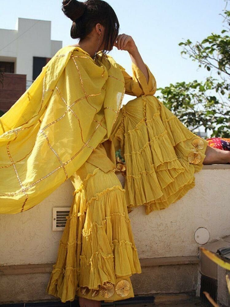 Bollywood Actress Dresses Online Shopping (129)