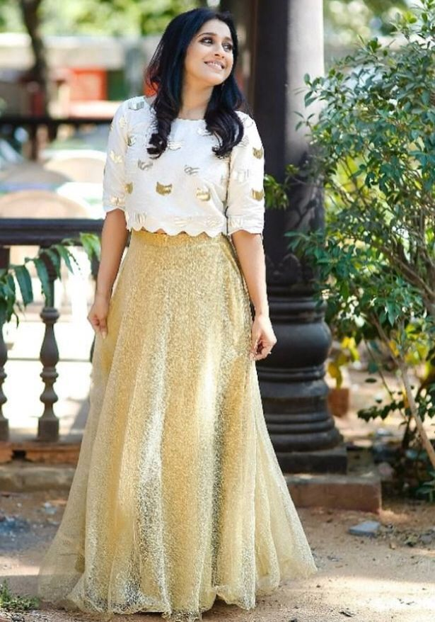 Bollywood Actress Dresses Online Shopping (136)