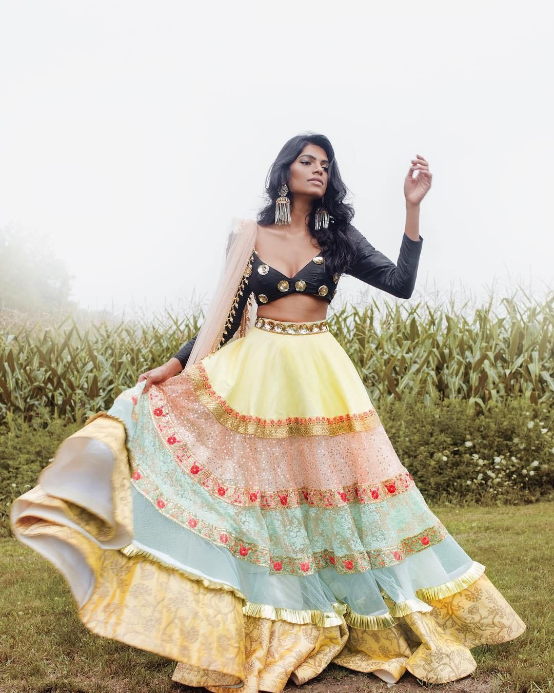 Bollywood Actress Dresses Online Shopping (140)