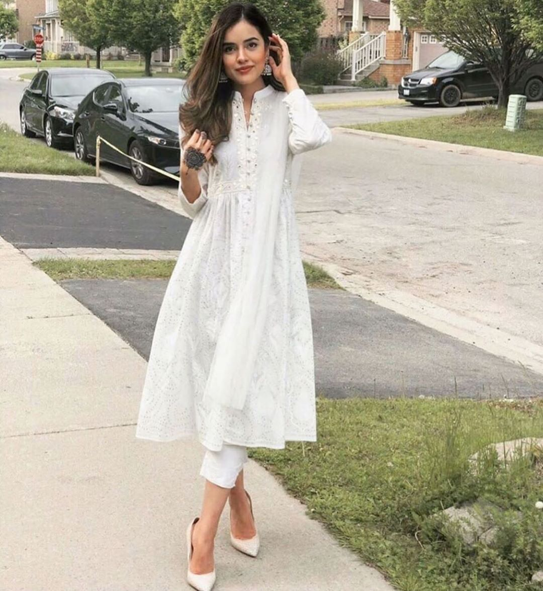 Bollywood Actress Dresses Online Shopping (141)