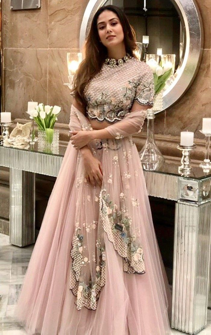 Bollywood Actress Dresses Online Shopping (143)