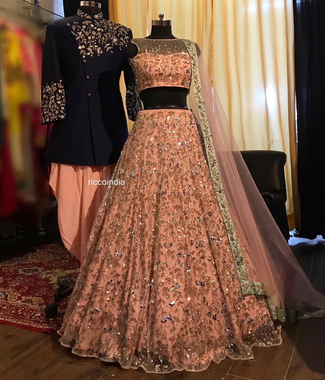 Bollywood Actress Dresses Online Shopping (154)