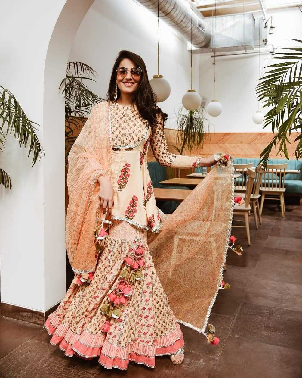 Bollywood Actress Dresses Online Shopping (170)