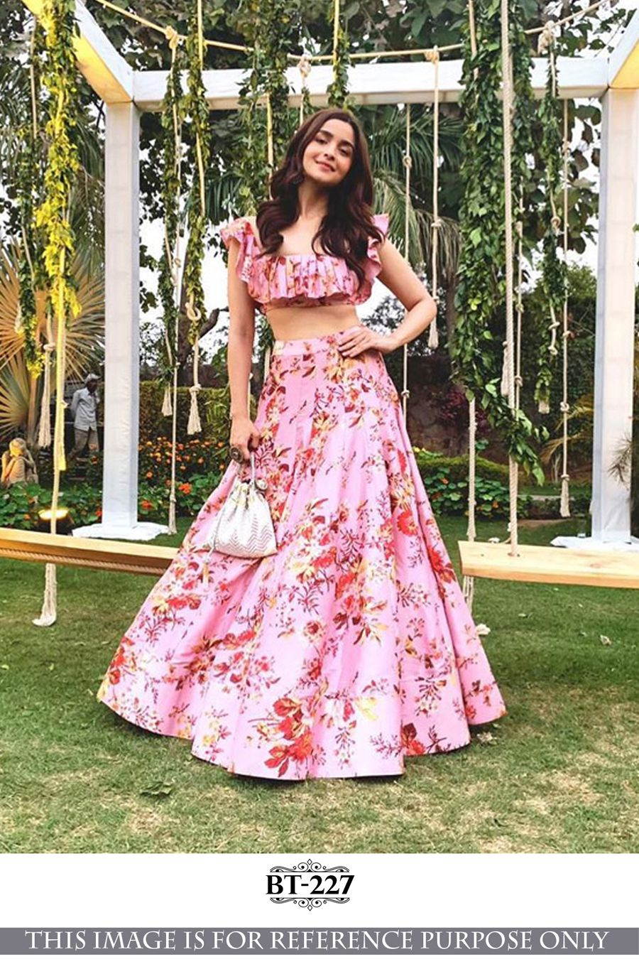 Bollywood Actress Dresses Online Shopping (175)