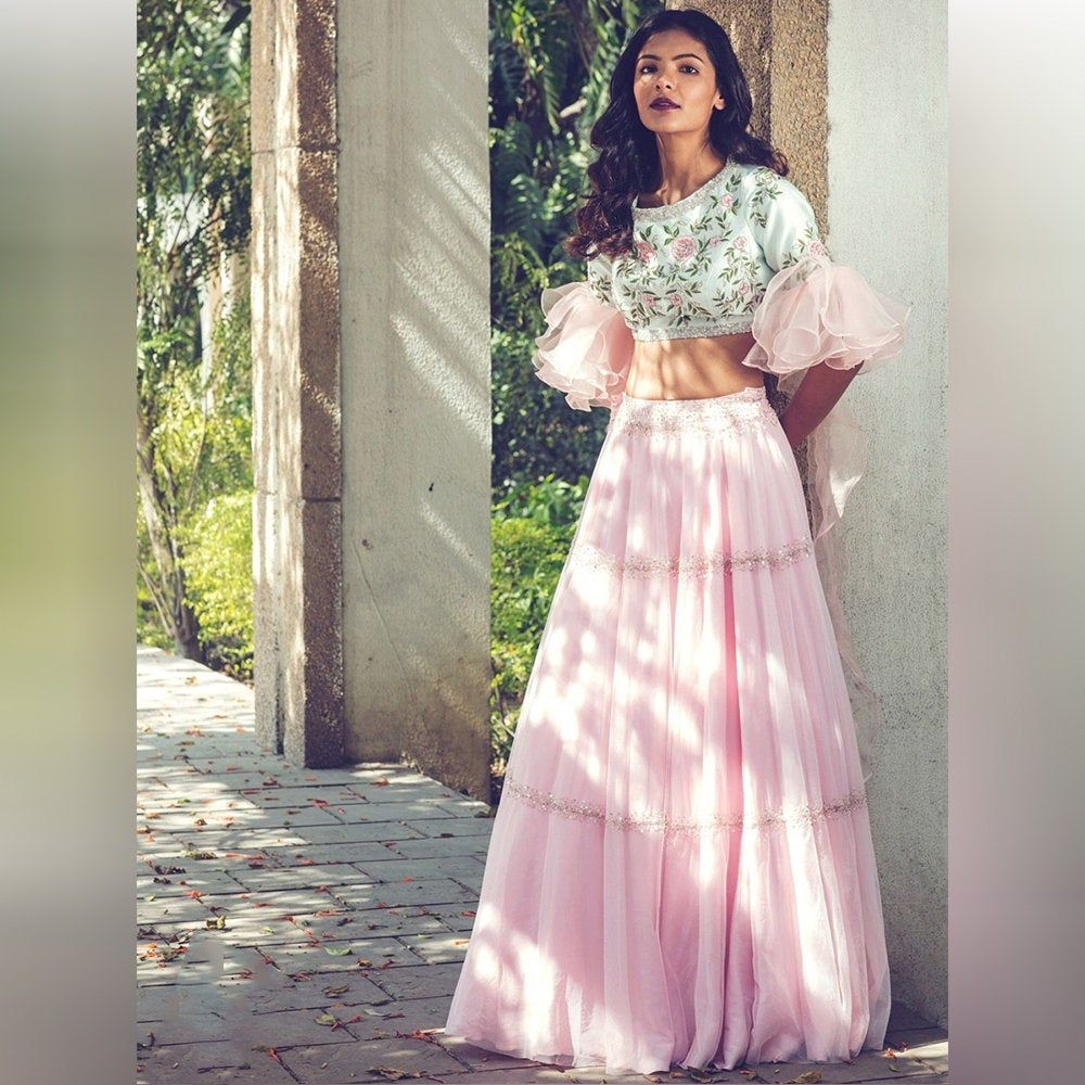 Bollywood Actress Dresses Online Shopping (191)