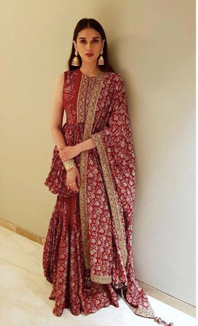 Bollywood Actress Dresses Online Shopping (199)