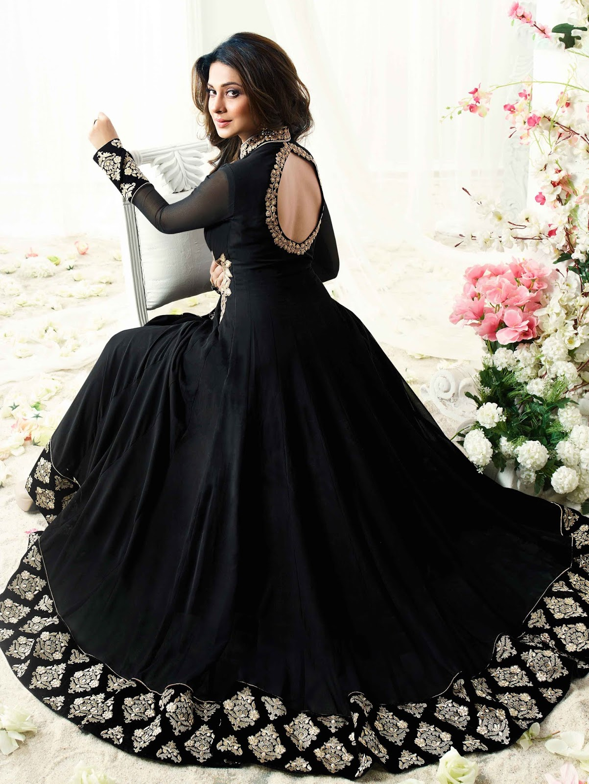 Bollywood Actress Dresses Online Shopping (200)