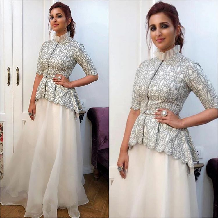 Bollywood Actress Dresses Online Shopping (202)