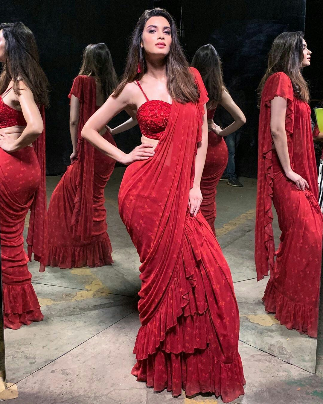 Bollywood Actress Dresses Online Shopping (207)