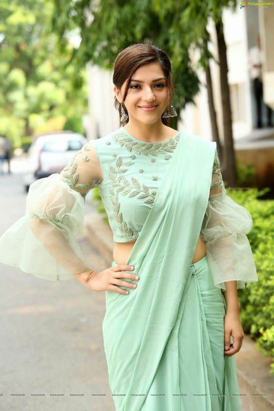 Bollywood Actress Dresses Online Shopping (211)