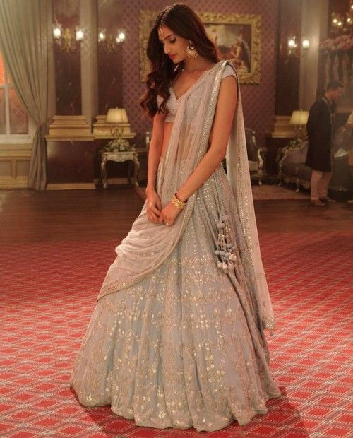 Bollywood Actress Dresses Online Shopping (213)