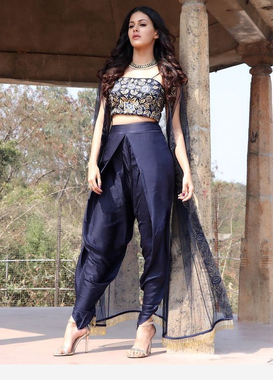 Bollywood Actress Dresses Online Shopping (225)