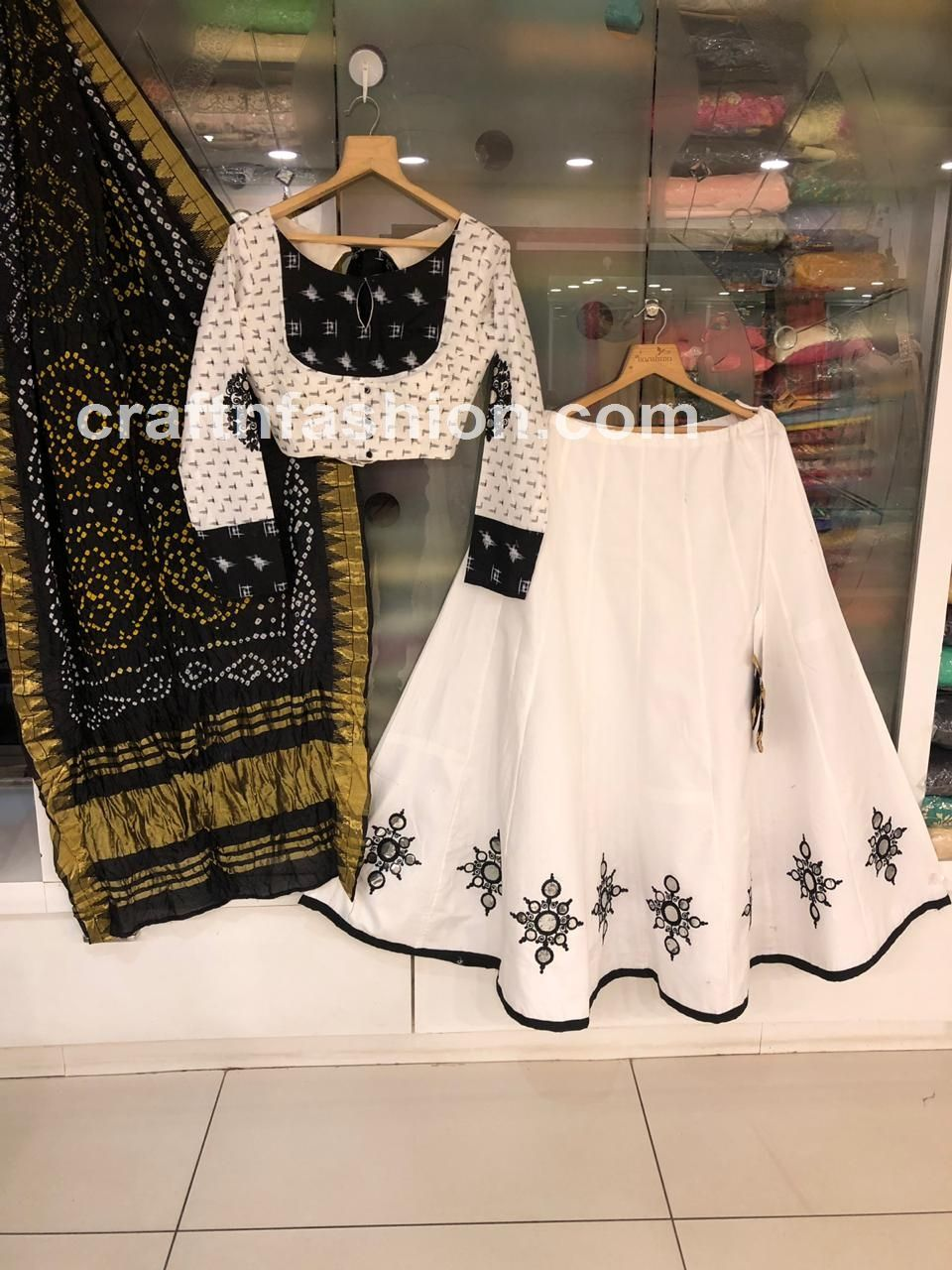 Bollywood Actress Dresses Online Shopping (228)