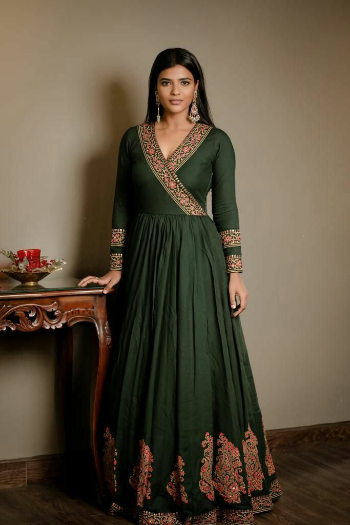 Bollywood Actress Dresses Online Shopping (233)