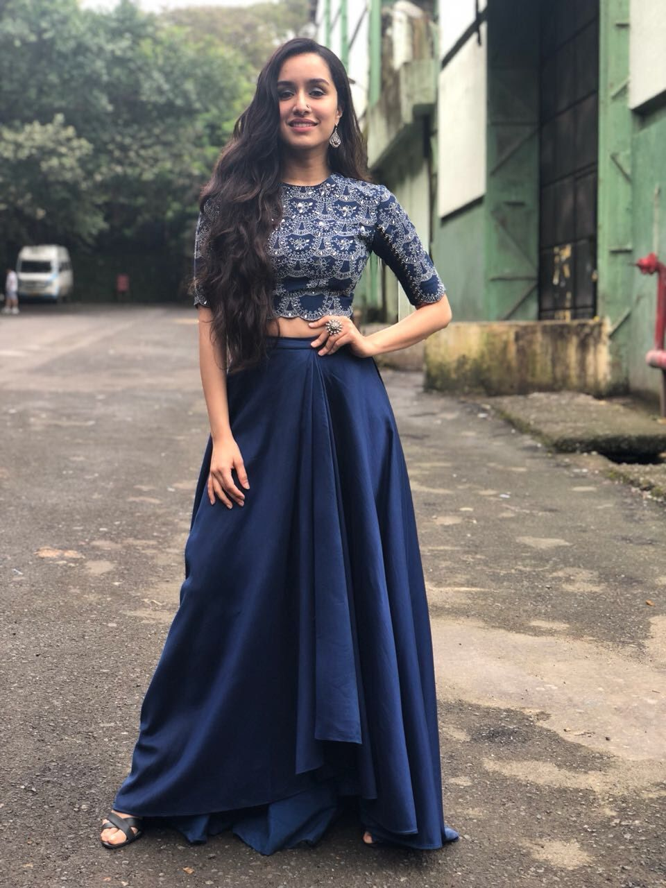 Bollywood Actress Dresses Online Shopping (239)