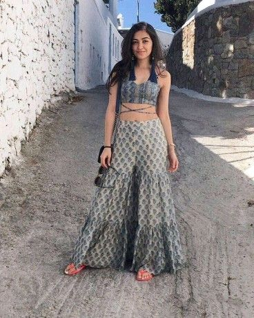 Bollywood Actress Dresses Online Shopping (240)
