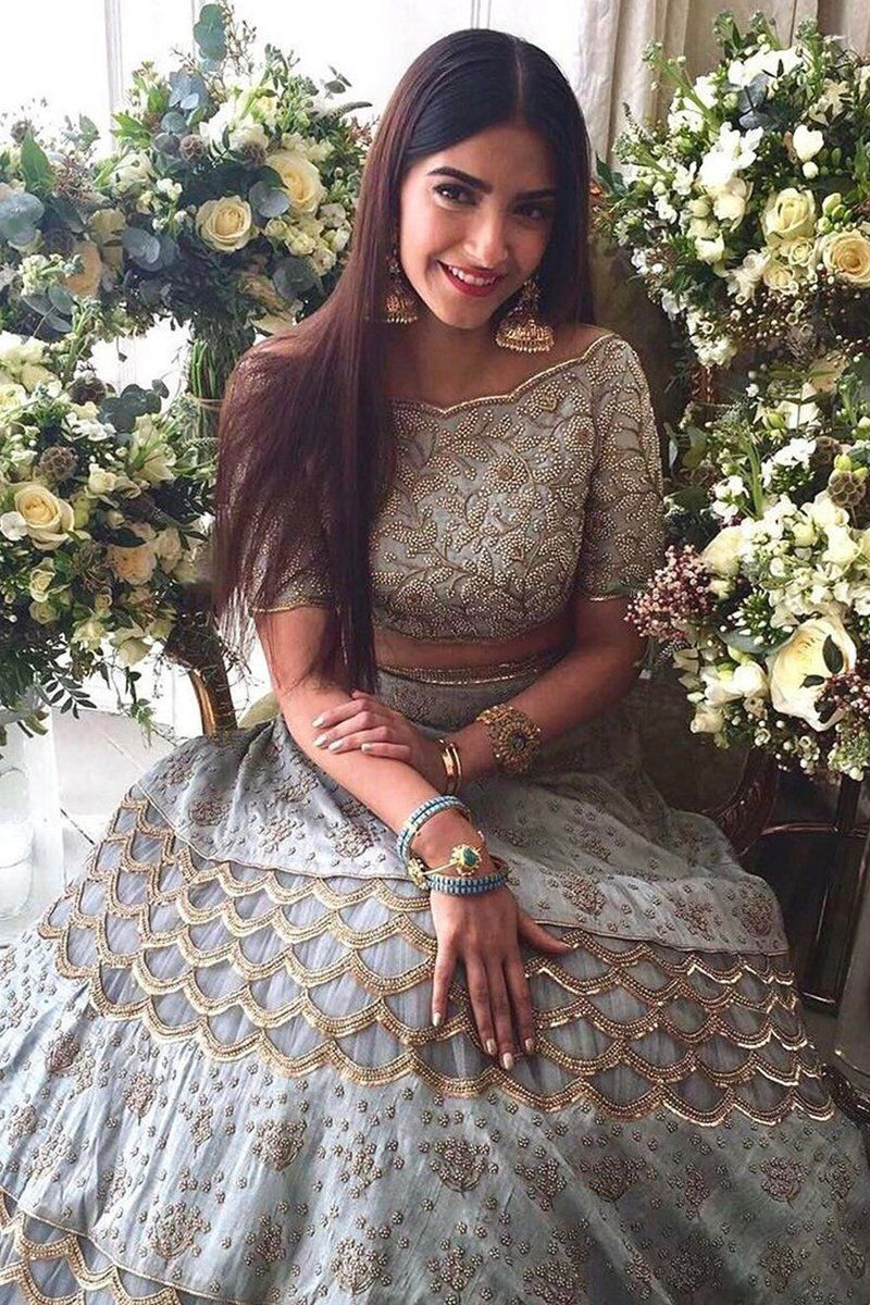 Bollywood Actress Dresses Online Shopping (26)