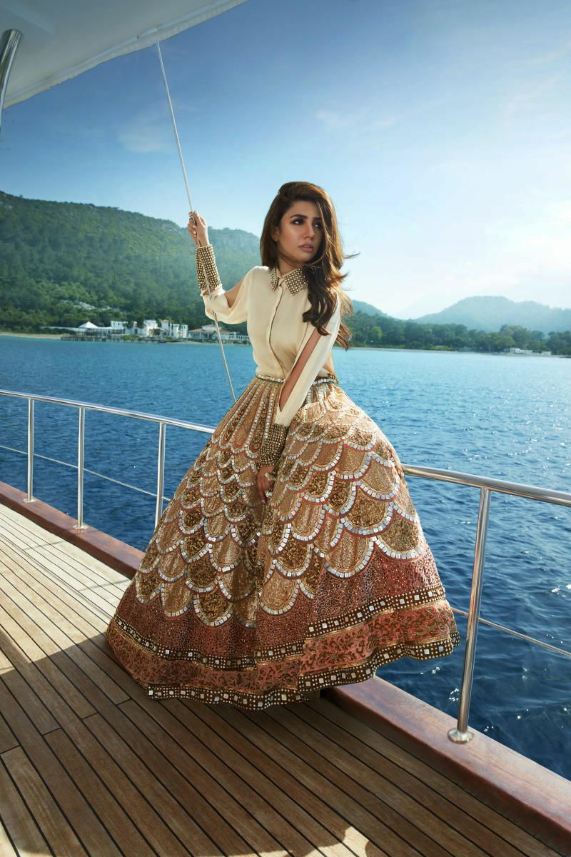 Bollywood Actress Dresses Online Shopping (29)