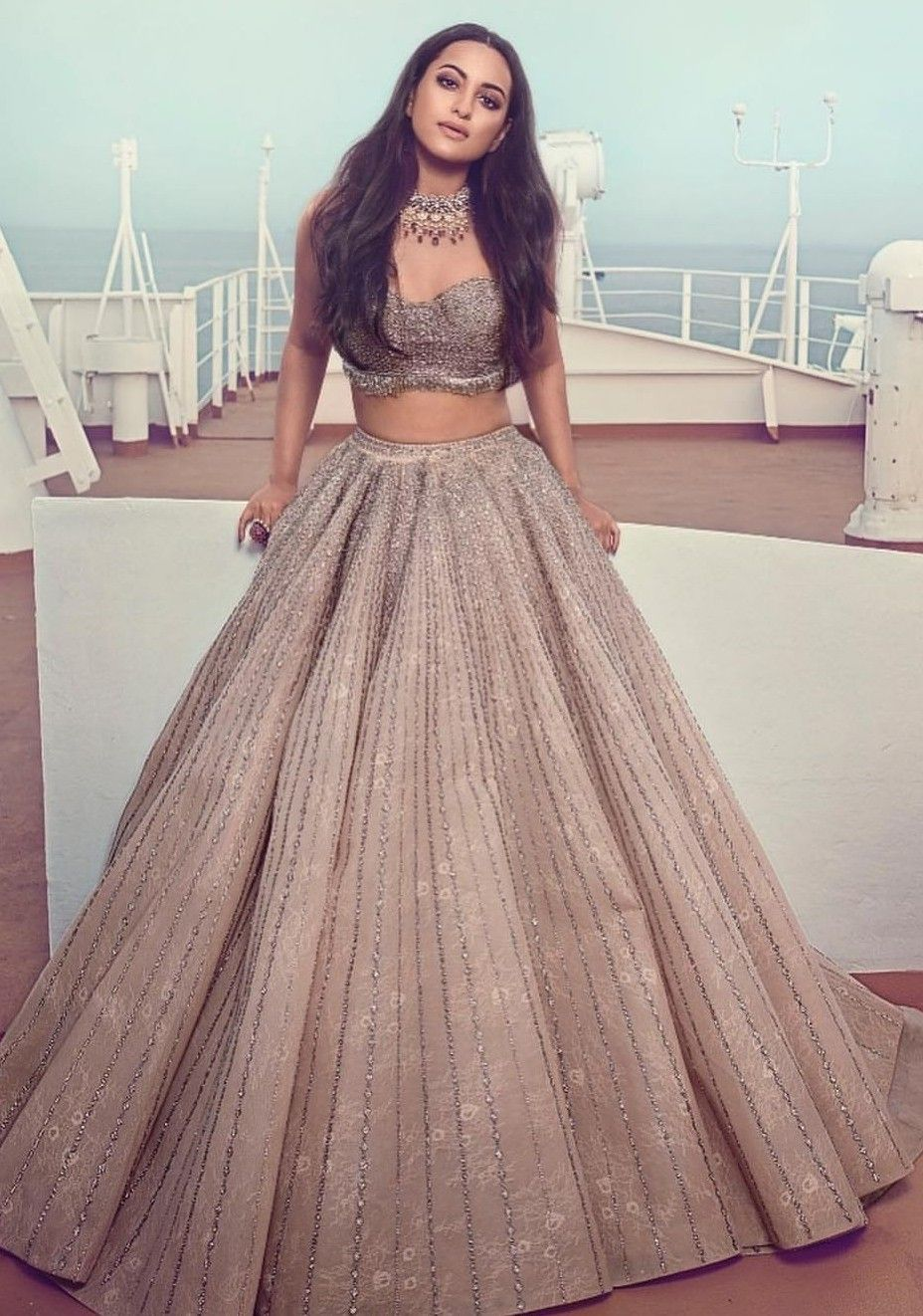 Bollywood Actress Dresses Online Shopping (47)