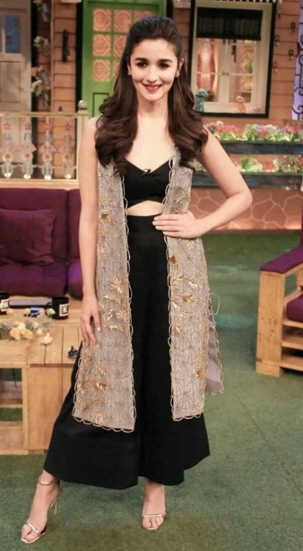 Bollywood Actress Dresses Online Shopping (59)