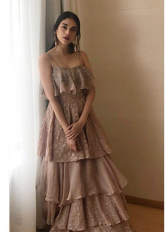 Bollywood Actress Dresses Online Shopping (60)