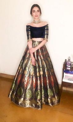 Bollywood Actress Dresses Online Shopping (70)