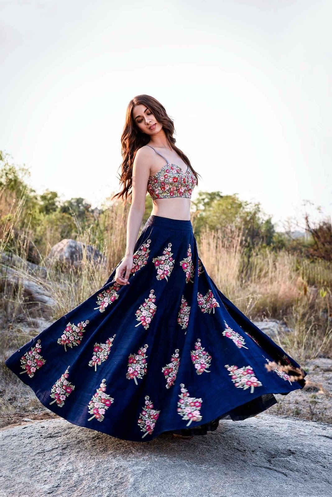 Bollywood Actress Dresses Online Shopping (78)