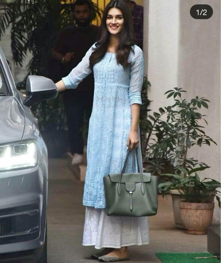 Bollywood Actress Dresses Online Shopping (9)