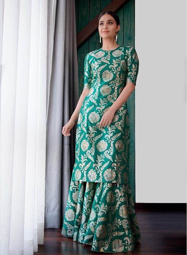 Bollywood Actress Dresses Online Shopping (91)