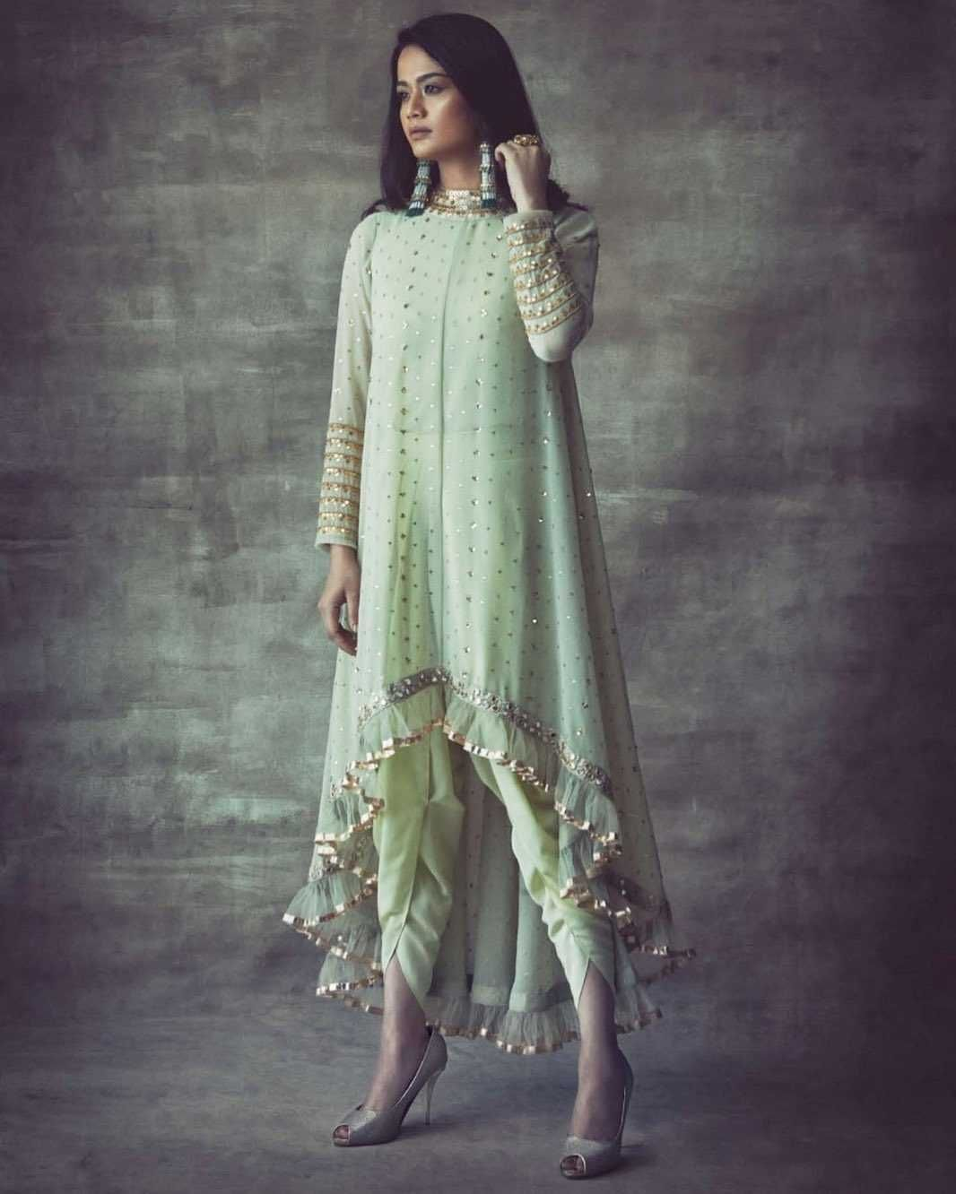 Bollywood Actress Dresses Online Shopping (94)