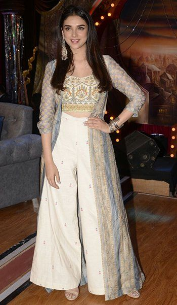 Bollywood Actress Dresses Online Shopping (96)