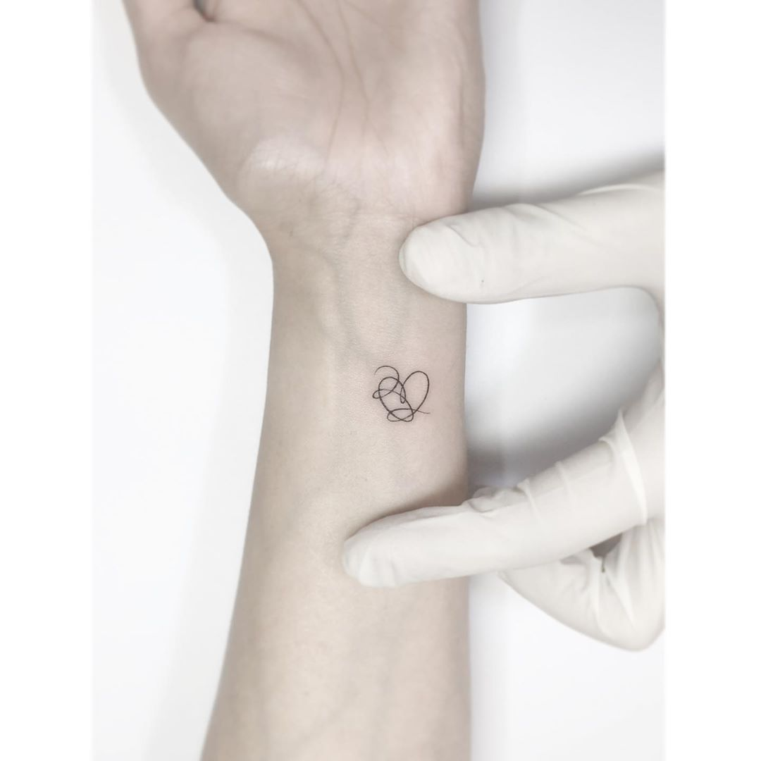 Broken Heart Tattoo Design Meaning (23)