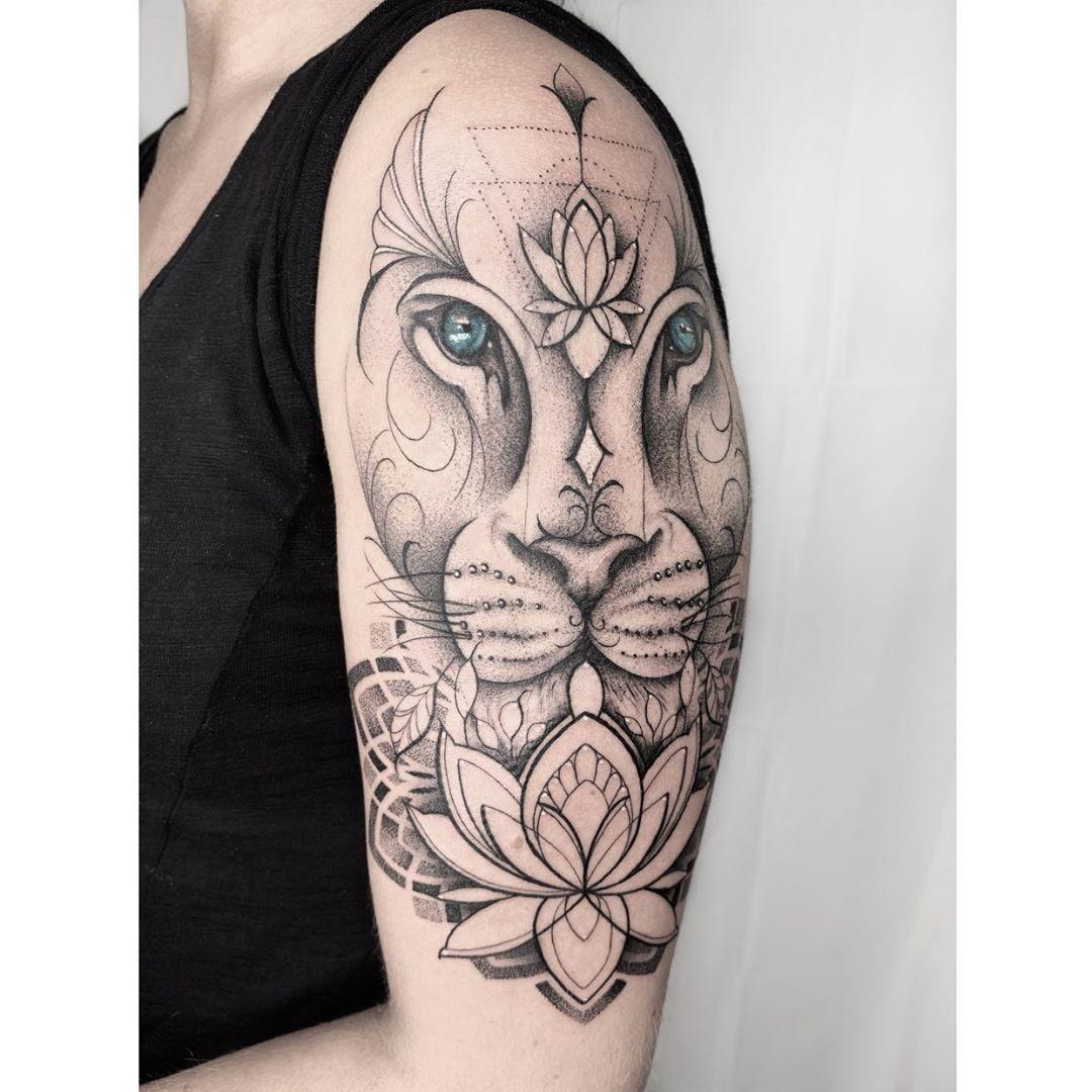 Leo Zodiac Horoscope Sign Symbol Tattoo Designs (228)