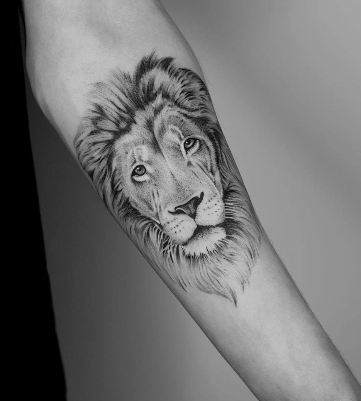 Leo Zodiac Horoscope Sign Symbol Tattoo Designs (78)