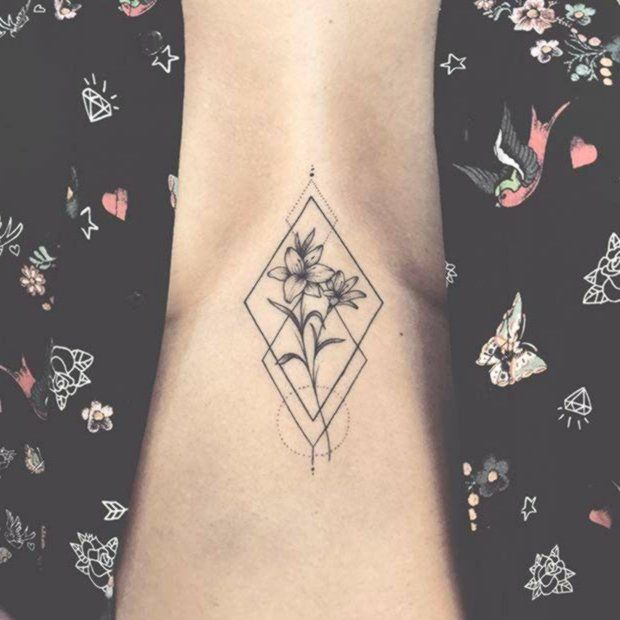 Valley the tattoo of lilies 101 Amazing