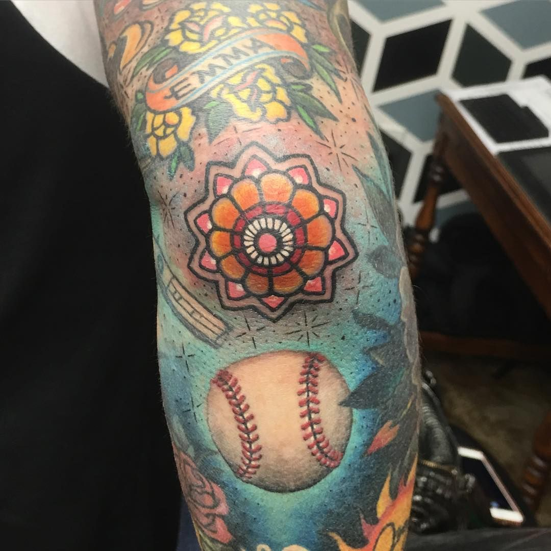 Baseball Tattoo Player Cross Bat (197)