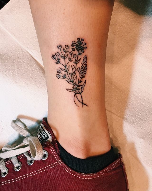 Cute Small Tattoo Designs For Girls Female Women (149)