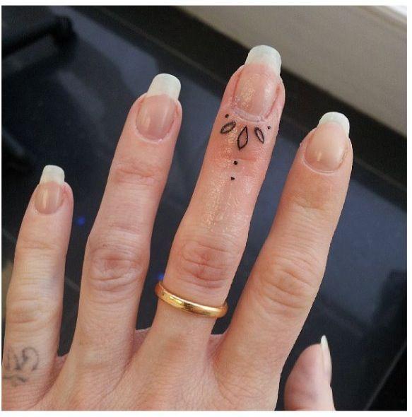 Knuckle Tattoos 37