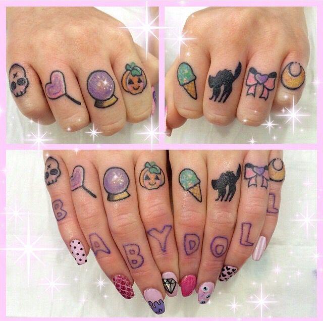 Knuckle Tattoos 89