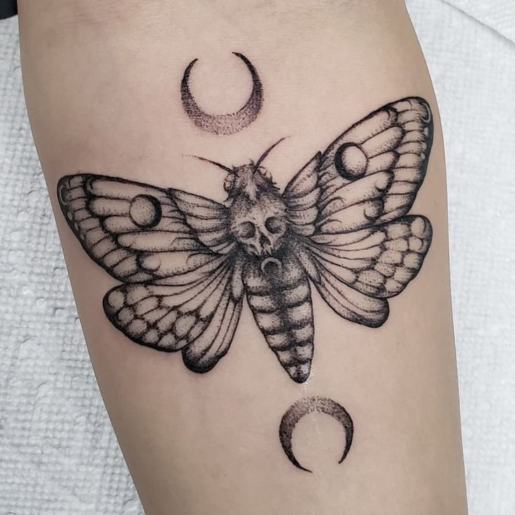 Knee Tattoos 38