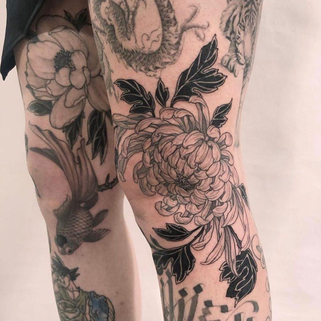 Knee Tattoos 39